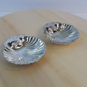 Silver Plated Clam Shell jewelry Trays Set of 2